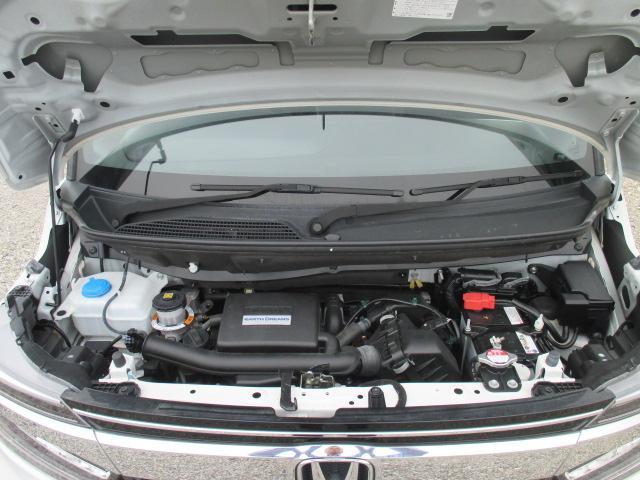G・Lホンダセンシング ワンオーナー車・追従式クルーズコントロール・オートライト・LEDヘッドライト・パナソニックナビ・フルセグTV・バックカメラ・後席モニター・ビルトインETC(17枚目)