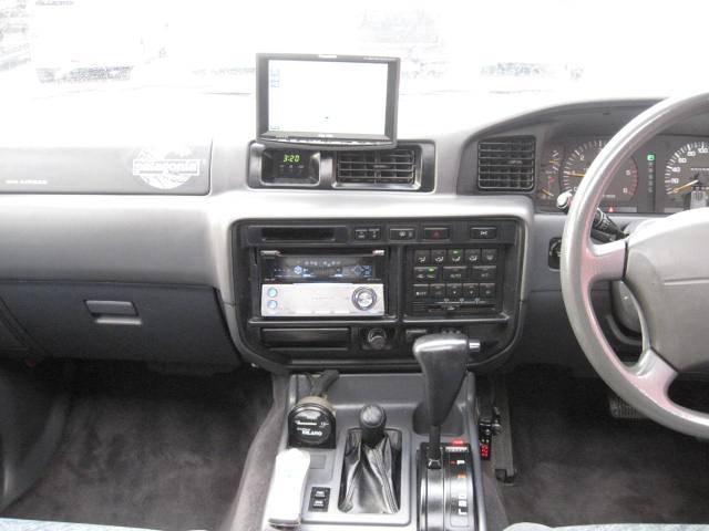 トヨタ ランドクルーザー80 VX リフトアップ AW16.5インチ CD MD ナビ