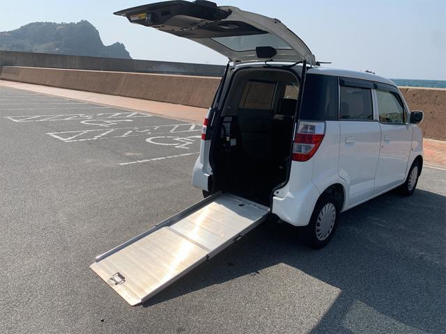 車いす移動車 スローパー 福祉車両 バックカメラ 3人乗り(11枚目)