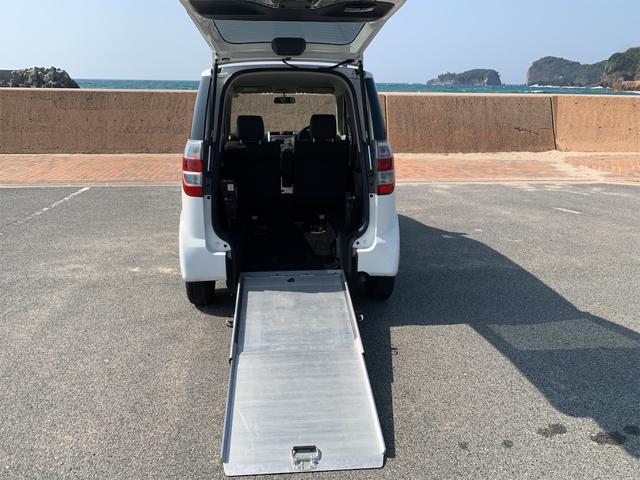 車いす移動車 スローパー 福祉車両 バックカメラ 3人乗り(12枚目)