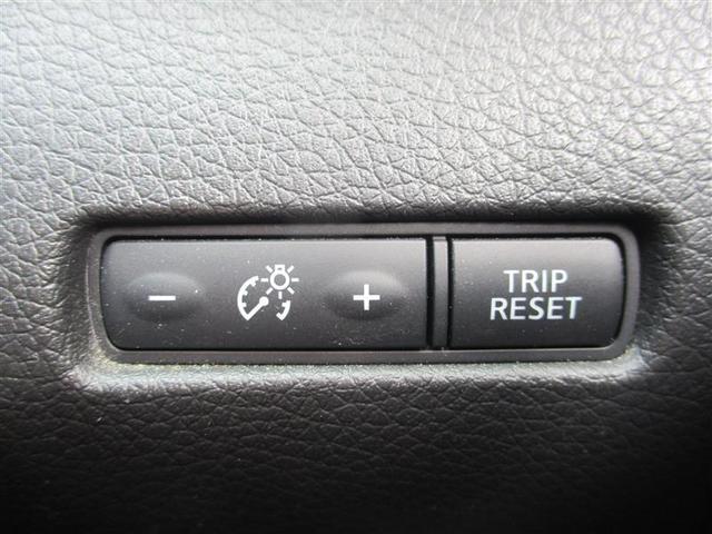 エマージェンシーパッ 4WD フルセグ メモリーナビ DVD再生 後席モニター バックカメラ 衝突被害軽減システム ETC LEDヘッドランプ 乗車定員7人 3列シート ワンオーナー(17枚目)