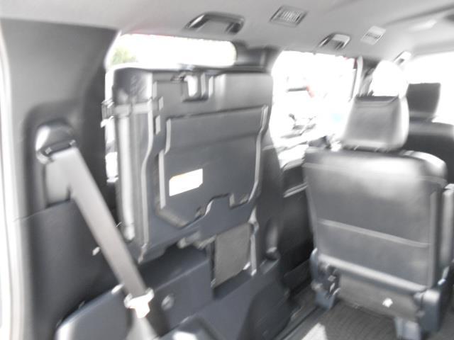 Gi ブラックテーラード フルセグ メモリーナビ DVD再生 後席モニター バックカメラ 衝突被害軽減システム 両側電動スライド LEDヘッドランプ ウオークスルー 乗車定員7人 3列シート ワンオーナー アイドリングストップ(8枚目)