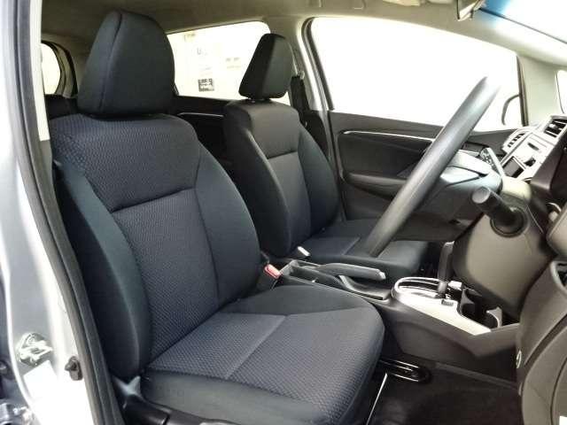 13G・F ワンオーナー CD スマートキー 横滑り防止 CDオーディオ スマートキー 盗難防止装置 ABS キーフリー フルオートエアコン 1オナ車 i-STOP(10枚目)