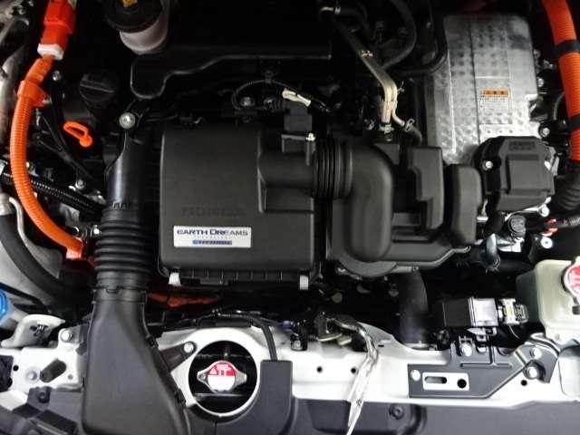 e:HEVホーム 当社デモカー ナビ リヤカメラ LED クルコン スマートキー アイドリングストップ 衝突被害軽減ブレーキ ワンオーナー LEDヘッドライト Rカメラ オートエアコン キーレス 地デジ CD ETC(18枚目)