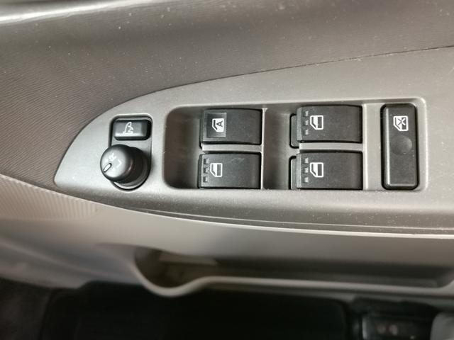 便利な電動格納ミラー付です!狭い道での対向車とのすれ違いや、狭い場所での駐車!洗車機での洗車時にもありがたい嬉しい装備ですね☆