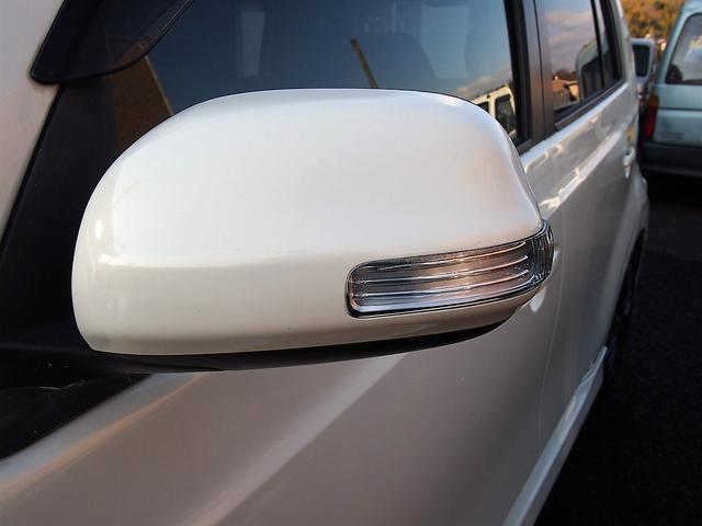 トヨタ bB Z エアロ-Gパッケージ 8インチサイバーナビ ローダウン
