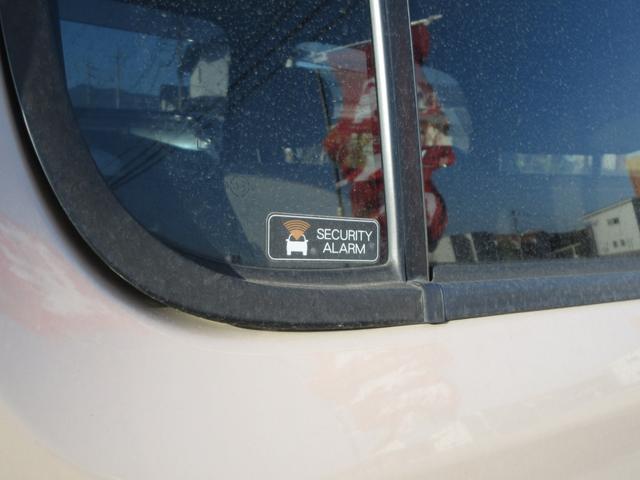 ディーラー店にて13年間の整備実績!国家2級整備士、国土交通省指定自動車検査員、中古自動車査定士等、整備に自信有ります!ボディも綺麗に磨きをかけて納車します!【無料電話 0066-9709-2125】