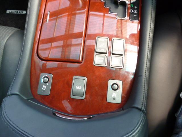 レクサス LS LS460 Iパッケージ黒革エアーシート