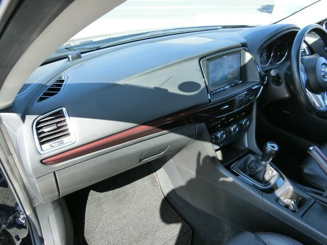 XD Lパッケージ 6MT 軽油 HIDオートライト プッシュスタート シートヒーター シートメモリー アイドリングストップ HIDオート 純正ナビ フルセグ DVD Bluetooth Bカメラ ETC(26枚目)