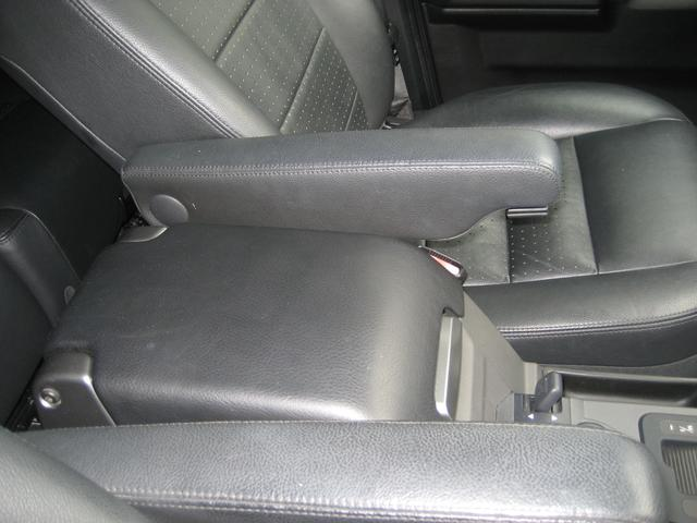 「ランドローバー」「ランドローバー ディスカバリー3」「SUV・クロカン」「鳥取県」の中古車21