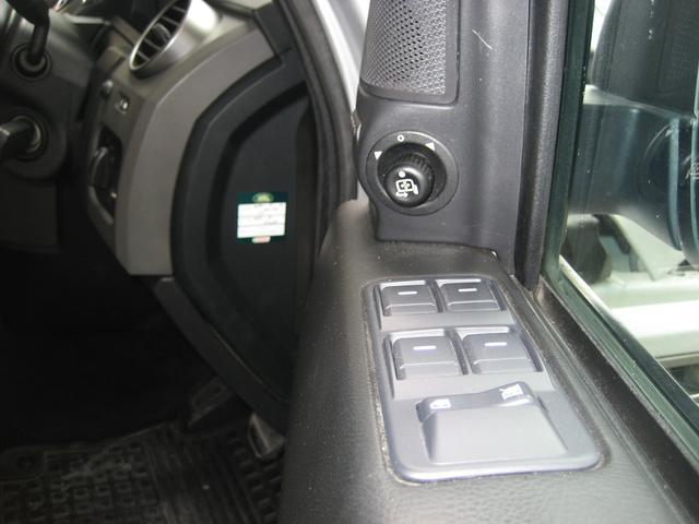 「ランドローバー」「ランドローバー ディスカバリー3」「SUV・クロカン」「鳥取県」の中古車36