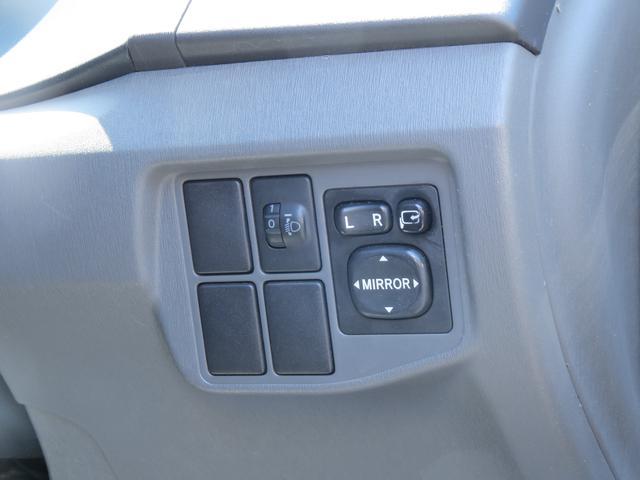 トヨタ プリウス S HDDナビ・15インチアルミホイール