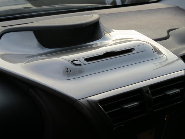 トヨタ iQ 100G シャンパン・本革巻きステアリング