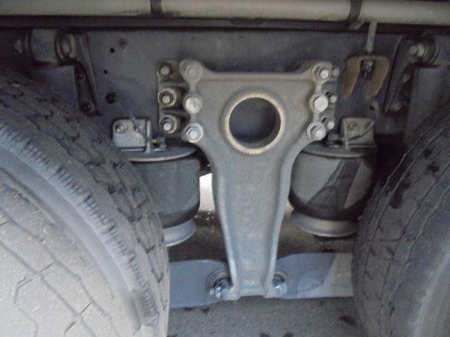 いすゞ ギガ 4軸ウイング