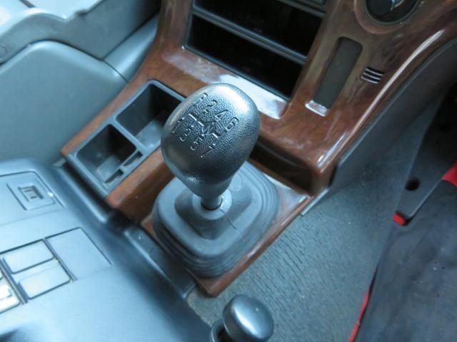 いすゞ ギガ 10輪ウイング車