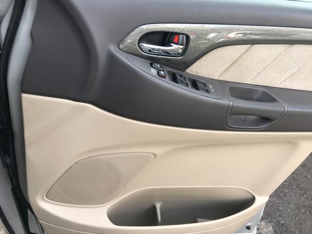 Gエディション 4WD パワースライドドア Wサンルーフ ETC 3列シート 7人乗 バックカメラ(19枚目)