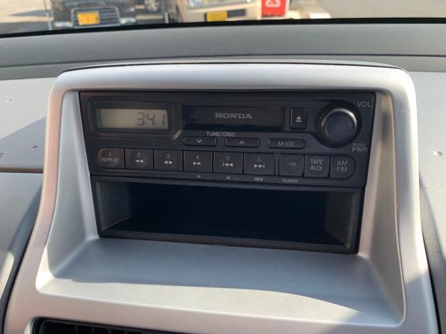 純正オーディオ。別途でカーナビに変更も可能です。フルセグTVやDVD再生でドライブもさらに楽しくなります♪ぜひご相談ください。