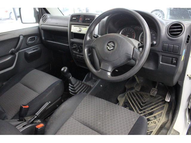 車内もとても綺麗で清潔感が漂います。嫌な臭いもなく気持ちよく乗っていただけます。
