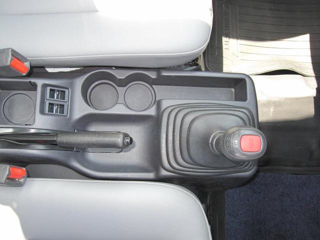 TB ワンオーナー 4WD 5速 禁煙車(12枚目)