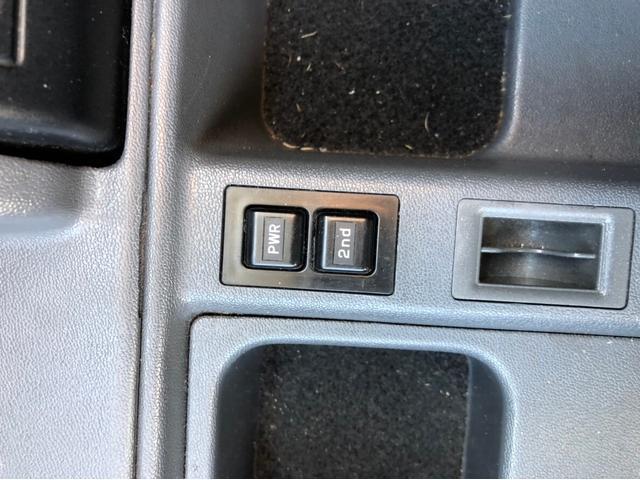 LX 4WD ナビ サンルーフ バックカメラ オーディオ付(20枚目)