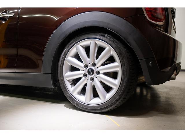 タイヤの残溝は6分〜7分でまだまだ長く乗ることができます