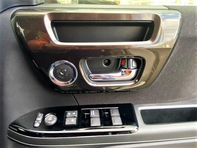 G・Lホンダセンシング ワンオーナー 禁煙車 衝突軽減装備 パワースライドドア ステアリングスイッチ オートエアコン ビルトインETC プッシュスタート LEDヘッドライト 純正アルミホイール(30枚目)