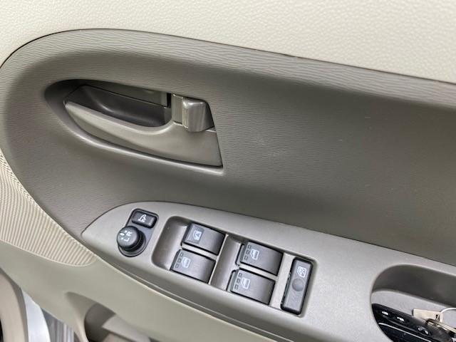 X SA ディーラー下取車 ワンオーナー 禁煙車 衝突軽減スマートアシスト  エコアイドル パワースライドドア スマートキーオートエアコン オートライト(19枚目)