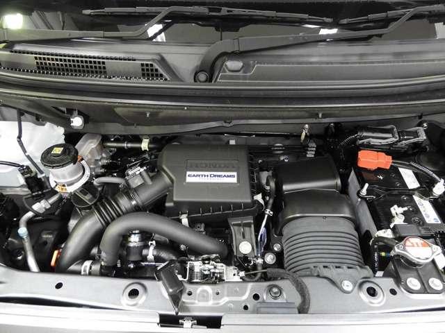 Hondaディーラーの当店にて1年点検整備をいたします。オイル・オイルフィルター・ワイワーゴム(3本)・バッテリーなどの消耗品はもちろんのこと、先読み整備で部品も交換しお渡しです。