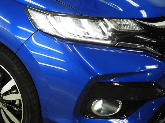 【LEDヘッドライト】ディスチャージヘッドライト(HID)と同等の明るさで、夜道や雨天走行が明るく視界良好!! フォグライトも装備で、安心感さらにUPです♪安心ドライブを楽しんで下さい♪
