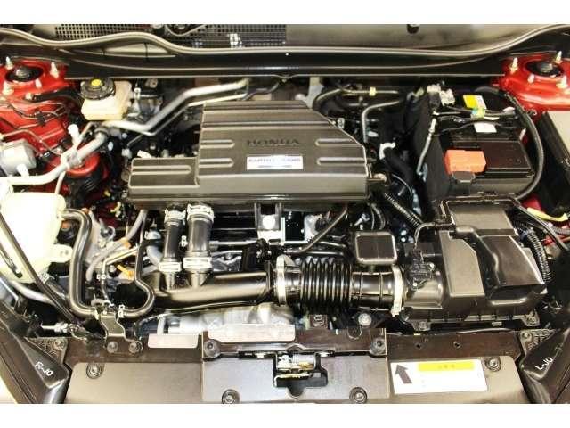 外装・内装はもとよりエンジンルーム・足回りまでしっかりクリーニング済みです。
