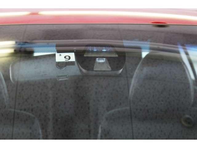 低速域衝突軽減ブレーキと誤発進抑制機能を備えた【CTBA】を搭載しています。