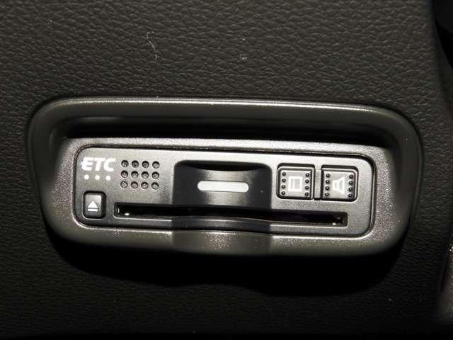X・ホンダセンシング 衝突軽減ブレ-キ 8インチ純正ナビゲーション バックカメラ ETC LEDヘッドライト アクティブクルーズコントロール 16インチアルミホイール スマートキー(10枚目)
