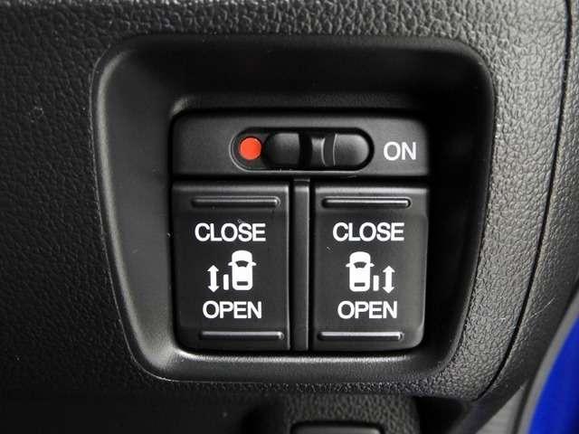 G SSパッケージ 衝突軽減ブレーキ 純正ナビゲーション バックカメラ ETC ドライブレコーダー   両側電動スライドドア スマートキー(9枚目)
