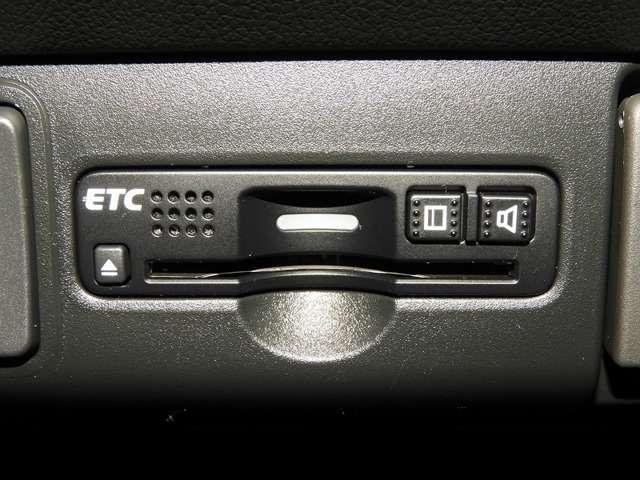 G SSパッケージ 衝突軽減ブレーキ 純正ナビゲーション バックカメラ ETC ドライブレコーダー   両側電動スライドドア スマートキー(10枚目)