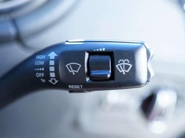 ステアリングスイッチでハンズフリー操作可能です!