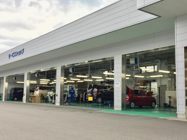 当社のサービス工場は陸運局指定工場ですので、安心してお任せください。