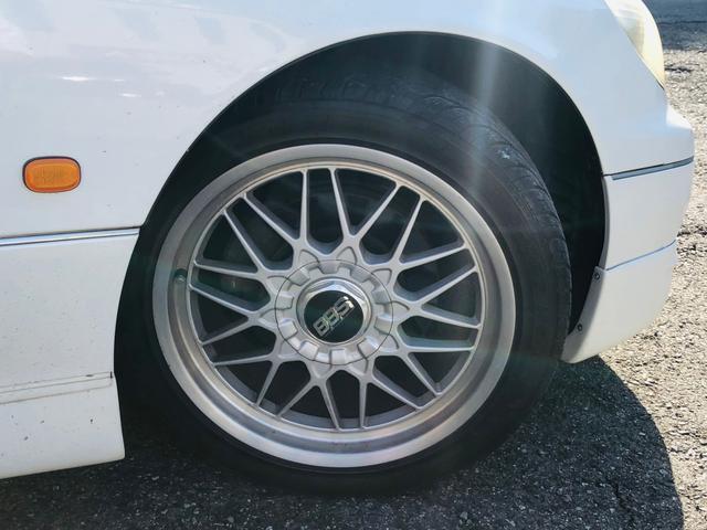 V300ベルテックスエディション 車高調 車検対応マフラー(4枚目)