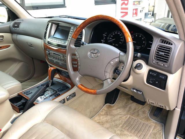 シグナス 4WD サンルーフ 革シート シートヒーター(4枚目)