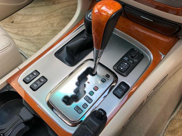 シグナス 4WD サンルーフ 革シート シートヒーター(18枚目)