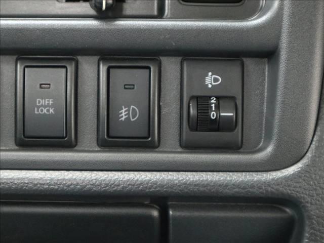 みのり 修復歴無 内外装仕上済 4WD 5MT フォグライト(9枚目)