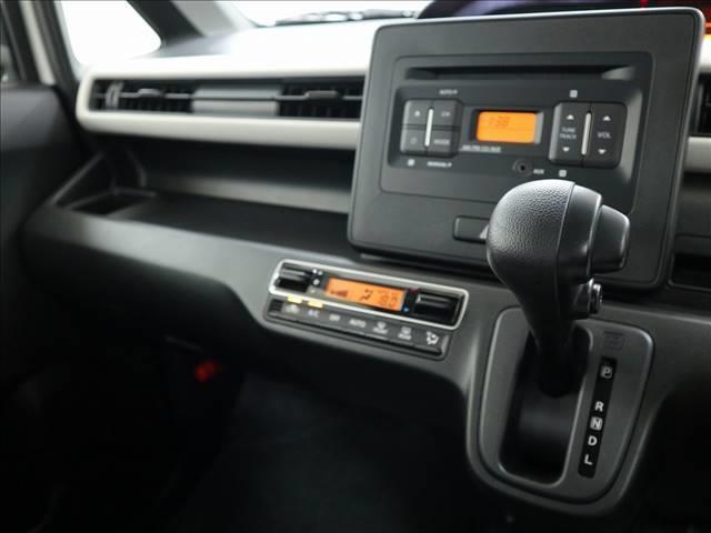 ハイブリッドFX デュアルカメラブレーキ スマートキー・プッシュスタート 純正CDデッキ ヘッドアップディスプレイ 修復歴無 内外装仕上済(5枚目)