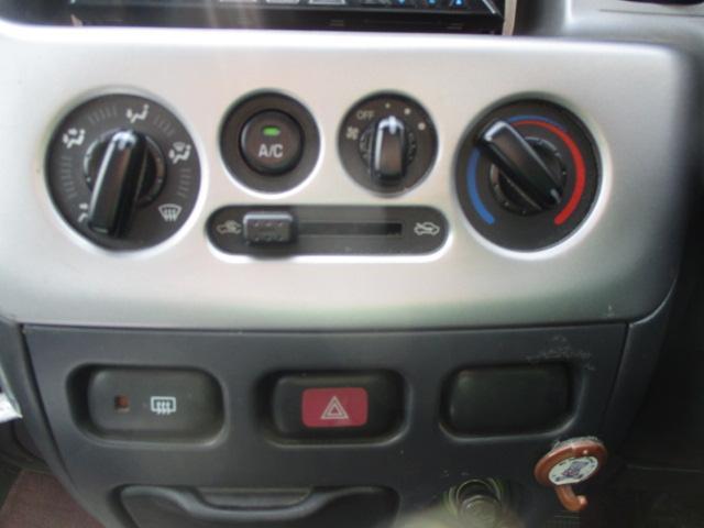カスタムターボ スターエディション・4WD・メモリーナビ(9枚目)