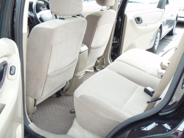 フォード フォード エスケープ XLT