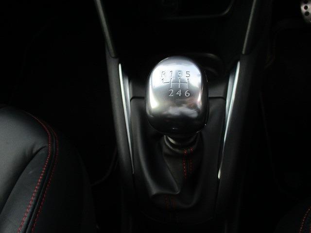 GTi ワンオーナー レザーシート 6速ミッション車(13枚目)