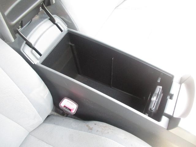 「トヨタ」「プリウス」「セダン」「広島県」の中古車63