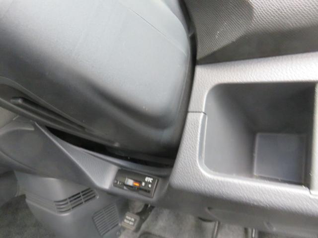 T ワンオーナー ターボ車 ETC ナビ ワンセグTV CD DVD HIDヘッドライト スマートキー AW15インチ 盗難防止システム ベンチシート フルフラット(7枚目)