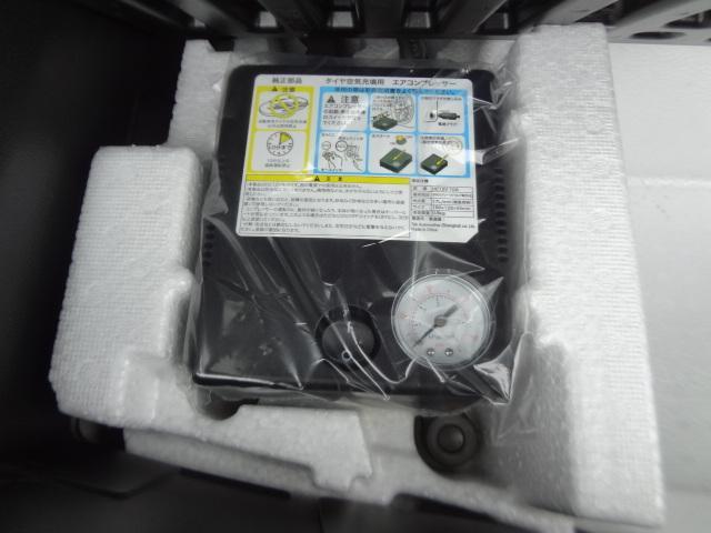 タイヤパンク修理のコンプレッサー