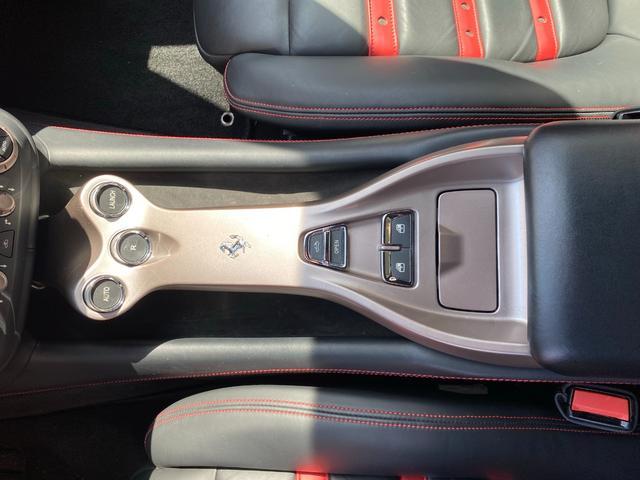 「フェラーリ」「カリフォルニア」「オープンカー」「広島県」の中古車56