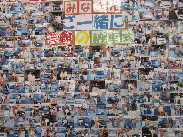 納車式の写真を展示しております♪みなさんとても良い笑顔です♪
