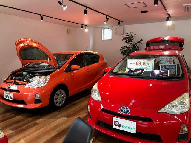 店内にもお車を展示しております!コンセプトはカフェ風に造られた店内になります♪ゆっくりおくつろぎくださいませ♪♪